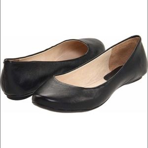 Kenneth Cole Reaction Ballet Flats